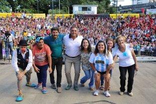 Participaron 2.800 santafesinos en las colonias de vacaciones del municipio - El acto de cierre de las colonias se realizó esta semana en el anfiteatro del Parque del Sur. -