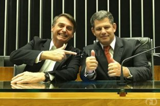 """A menos de dos meses de asumir Bolsonaro ya tiene su primera """"baja"""" por corrupción - Bolsonaro y Bebianno. -"""