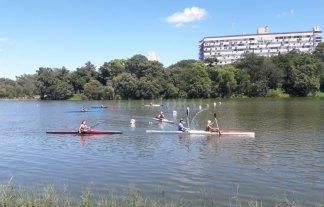 El Lago del Parque Sur y una fiesta del canotaje