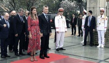 En su visita a Vietnam, Macri rindió homenaje al líder de la revolución socialista