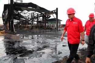 Se incendian instalaciones de la petrolera PDVSA y el gobierno venezolano culpa a la oposición