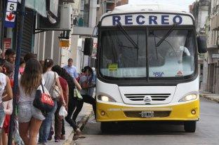 Luz de alerta en el transporte público: ¿por qué se espera más el colectivo?