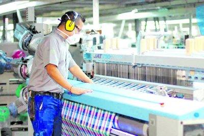 La actividad industrial cayó 6,7% en mayo