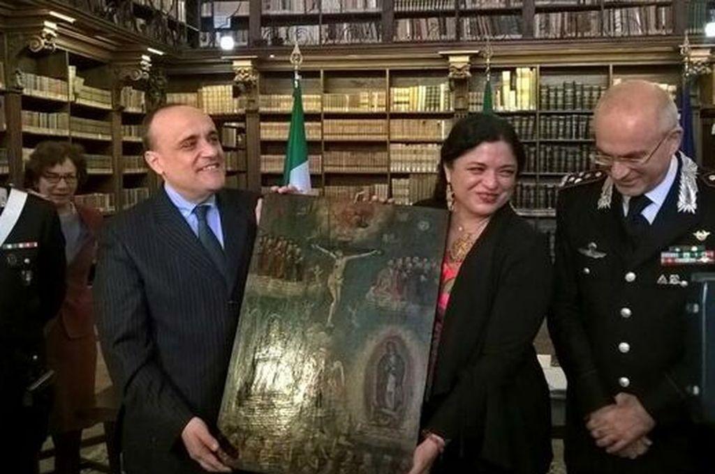 Devuelve Italia a México pinturas sustraídas ilegalmente