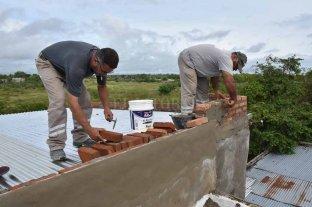 La familia Noguera ya tiene el techo  y de a poco se repone tras el temporal
