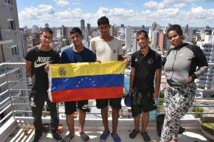 Cinco jóvenes venezolanos llegaron a la ciudad en busca de un porvenir