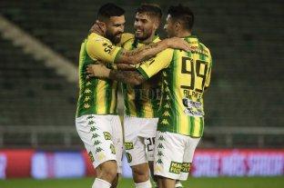 Aldosivi goleó a Colón en el debut de Lavallén