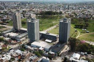 Entregan viviendas de las Torres Procrear del Parque Federal -  -