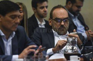 """Tonta"", ""mono"", ""forro"": los diputados se tiraron con todo por el Proyecto anti barras - Fernando Iglesias. -"