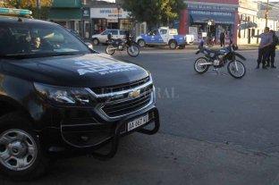 Robaron a un cliente de una casa de repuestos de autos - El robo se produjo en un comercio de la transitada avenida Facundo Zuviría -