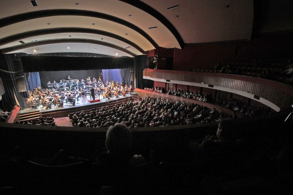 Los integrantes de la Orquesta durante un concierto correspondiente a temporadas anteriores. <strong>Foto:</strong> Archivo El Litoral / Pablo Aguirre