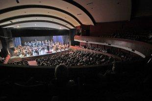 La Sinfónica inicia su temporada - Los integrantes de la Orquesta durante un concierto correspondiente a temporadas anteriores. -