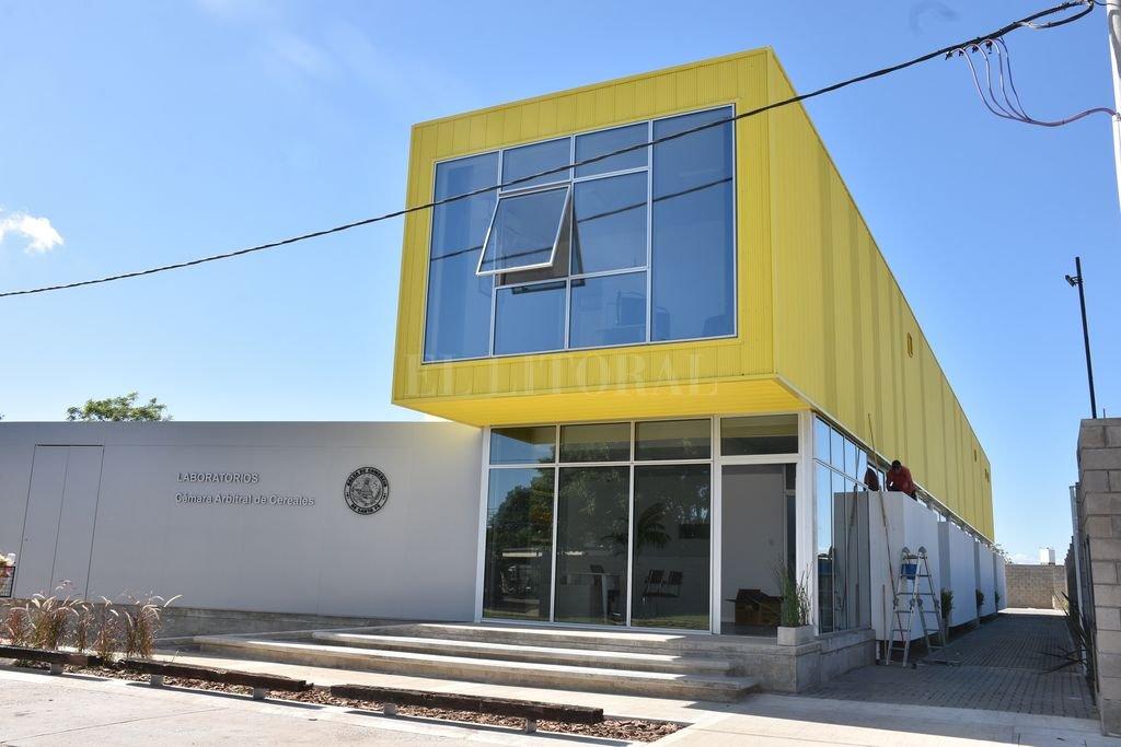 La Bolsa de Comercio inaugura nuevos laboratorios de análisis