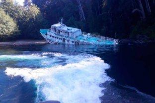 Se hundió un emblemático barco en el lago Nahuel Huapi