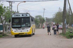 """El transporte público local y una """"batería"""" de pedidos de informes - La línea 13, que ingresa al distrito Alto Verde, entre los puntos requeridos por el Concejo. -"""