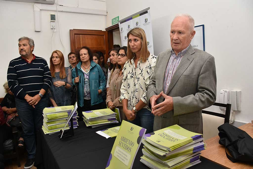 La Defensoría presentó un manual para prevenir la violencia de género