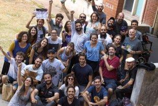 """""""Aire"""" en festivales internacionales  - El director y la actriz protagónica junto al equipo que realizó el film. -"""