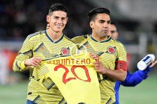 Colombia derrotó a Japón y hubo dedicatoria para Quintero