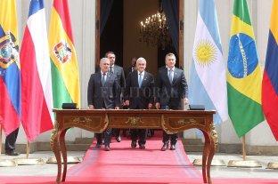 Siete presidentes dieron el primer paso para la conformación del Prosur -  -