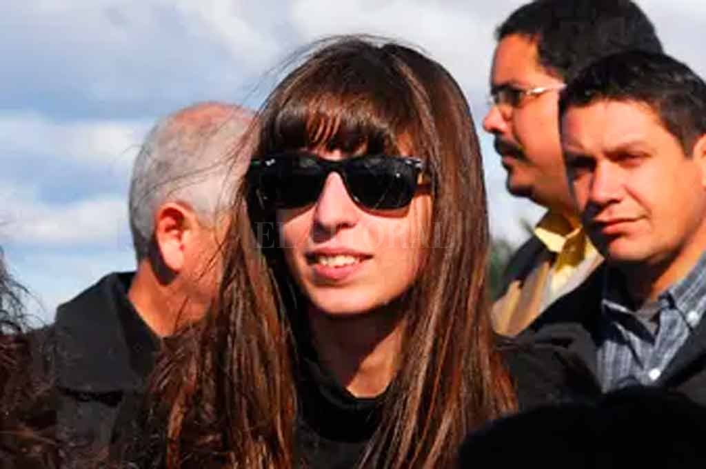 Florencia Kirchner pidió quedarse 45 días más en Cuba