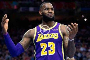 Pese al aporte de LeBron James, Lakers volvió a perder y quedó afuera de los playoffs