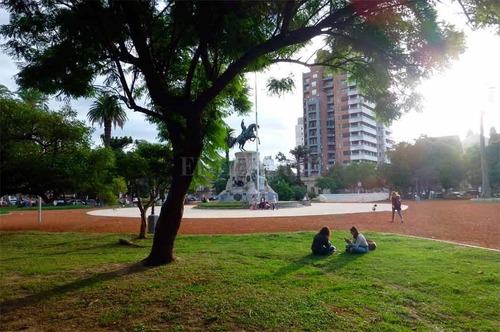 Inauguran las remodelaciones en la Plaza San Martín