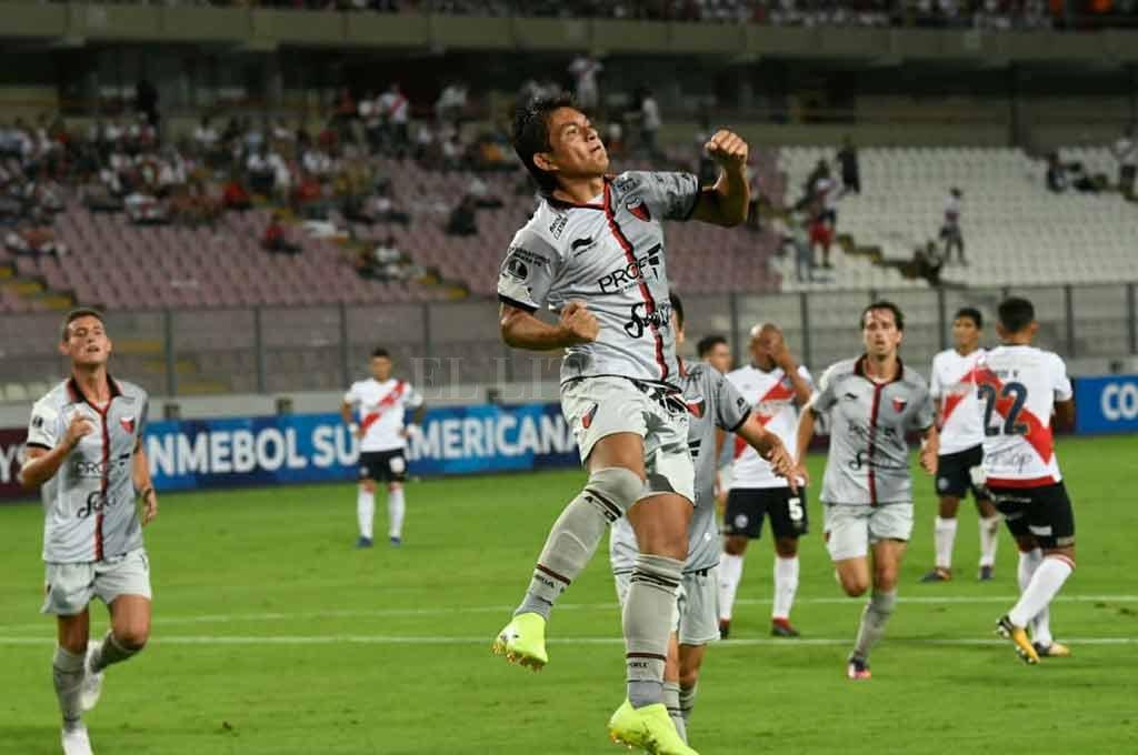 Colón cae ante San Lorenzo - Repetir lo de Lima, el gran desafío de Colón -