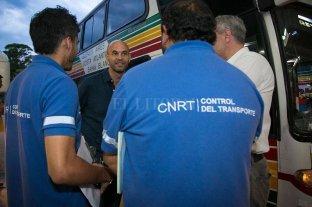 Más de la mitad de los choferes deshabilitados son de la Ciudad y provincia de Buenos Aires - Control realizado por la CNRT en la terminal porteña de Retiro. -
