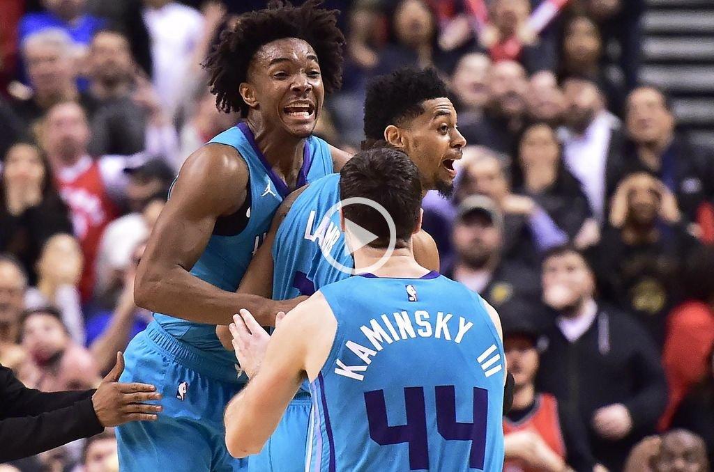 Video: Un triple de atrás de mitad de cancha le dio la victoria a los Hornets