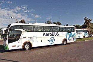 """Este martes  debuta el """"Aerobus"""" que  une la Terminal con el Aeropuerto - A tiempo. Casi dos horas antes del vuelo saldrá el colectivo desde la terminal con destino a Sauce Viejo. Recorrido: Terminal - Avenida Alem - 27 de Febrero - Circunvalación - Autopista - Acceso Aeropuerto (paralelo a Ruta 11)."""
