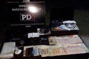 Cayeron dos narcopolicías con más de un kilo de cocaína pura en Vera -  -