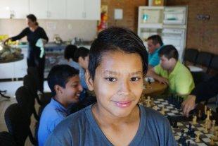 Los pequeños ajedrecistas de barrio Santa Rosa de Lima volvieron a reír