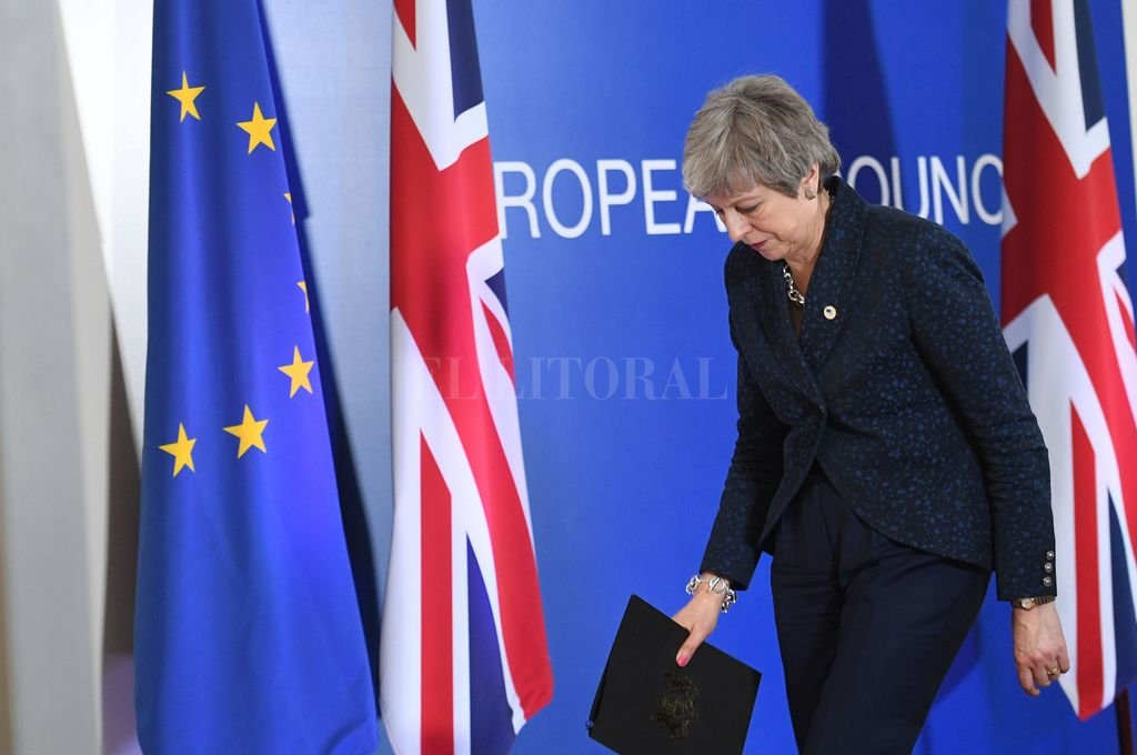 Theresa May anunció su renuncia como primera ministra