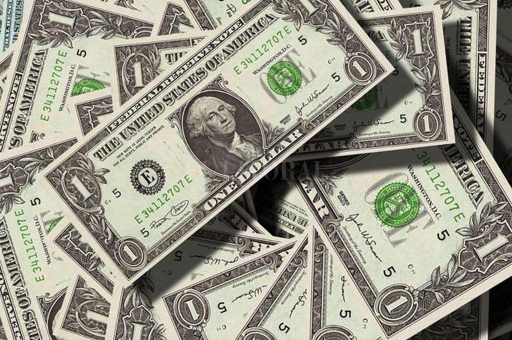 El dólar avanzó 1,66% y cerró a $ 43,694