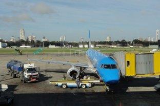 Gremios aeronáuticos amenazaron con paros para el viernes y el lunes