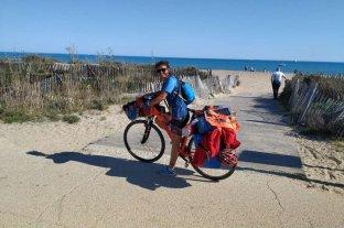 Ivana superó la barrera de los 1000 km en bici y avanza por la ruta de la seda