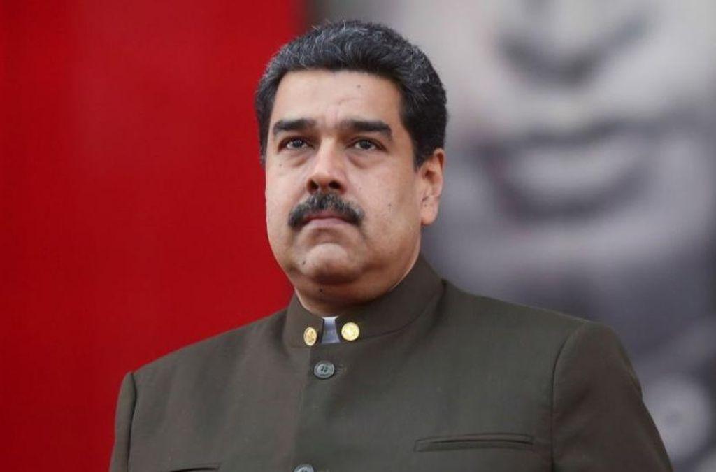 """Maduro dice que hay """"buenas noticias"""" y que se dispone a construir """"acuerdos de paz"""" con la oposición"""