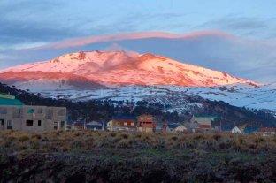 El volcán Copahue bajó el nivel de alerta