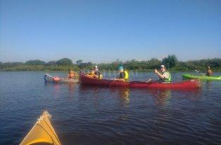 Una travesía en kayak en defensa de los ríos