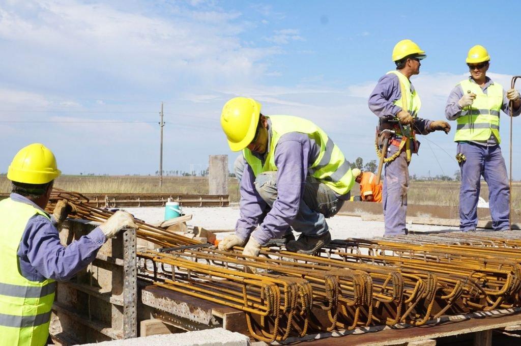 La construcción -tanto pública como privada- sigue manteniendo buenos indicadores laborales en Santa Fe. <strong>Foto:</strong> El Litoral