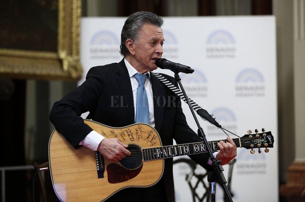 """Con mucha fe fue """"Palito"""" Ortega a recibir en el Senado la """"Mención de Honor Senador Domingo Faustino Sarmiento"""".   <strong>Foto:</strong> Archivo El Litoral"""