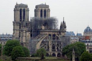 Anunciaron la extinción del incendio en Notre Dame