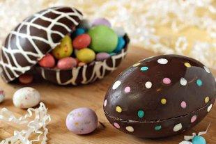 ¿Por qué comemos huevos de chocolate y roscas en Pascua?
