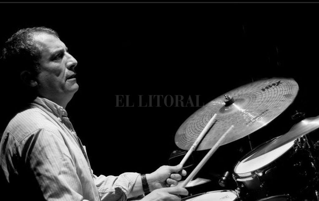 Cinalli es uno de los músicos más versátiles entre los bateristas y percusionistas de Latinoamérica, y llegó a grabar con Esperanza Spalding.  Crédito: Gentileza MIC