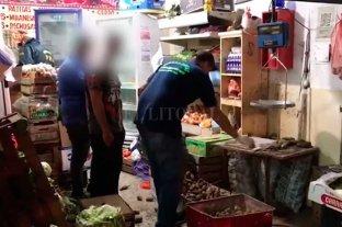 Vendían droga oculta en pollos y terminaron detenidos