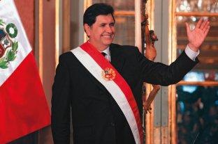 El ex presidente de Perú Alan García se disparó en la cabeza cuando iba a ser detenido