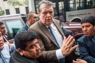 Perú: el expresidente Alan García murió tras dispararse cuando iban a detenerlo por corrupción -