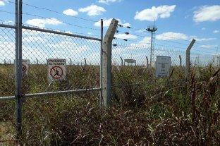Desde hace 8 meses podrían tener gas 24 lácteas y cerealeras - Inexplicable. Los yuyos tapan, en Elisa, las instalaciones necesarias para operar y mantener la obra. Hay robos y destrozos. -