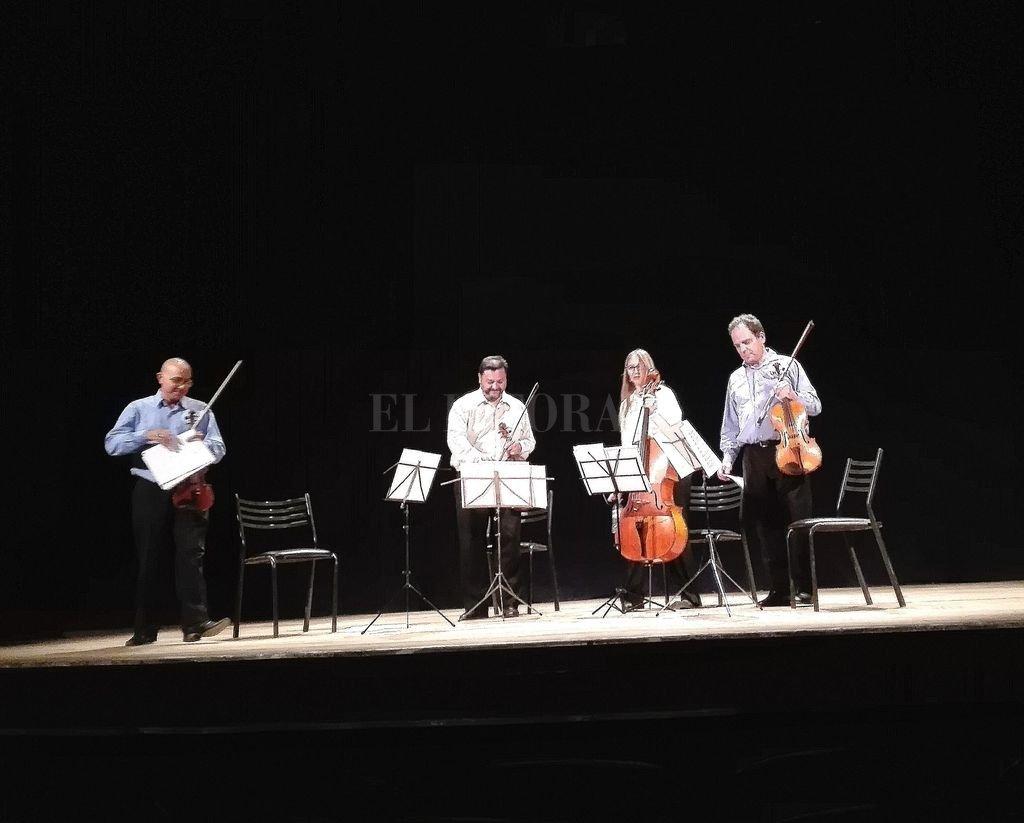 El Cuarteto de Cuerdas de la Vera Cruz (Pablo Zamora, como primer violín, Raúl Vallejos en segundo violín, Georgina Mussín en violonchelo y Gabriel Mateos en viola) abrió el ciclo. <strong>Foto:</strong> L.S.