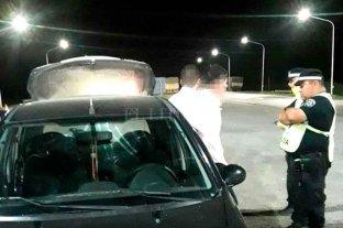 Circulaba en un auto sospechoso, sin papeles y con un revólver: fue detenido -